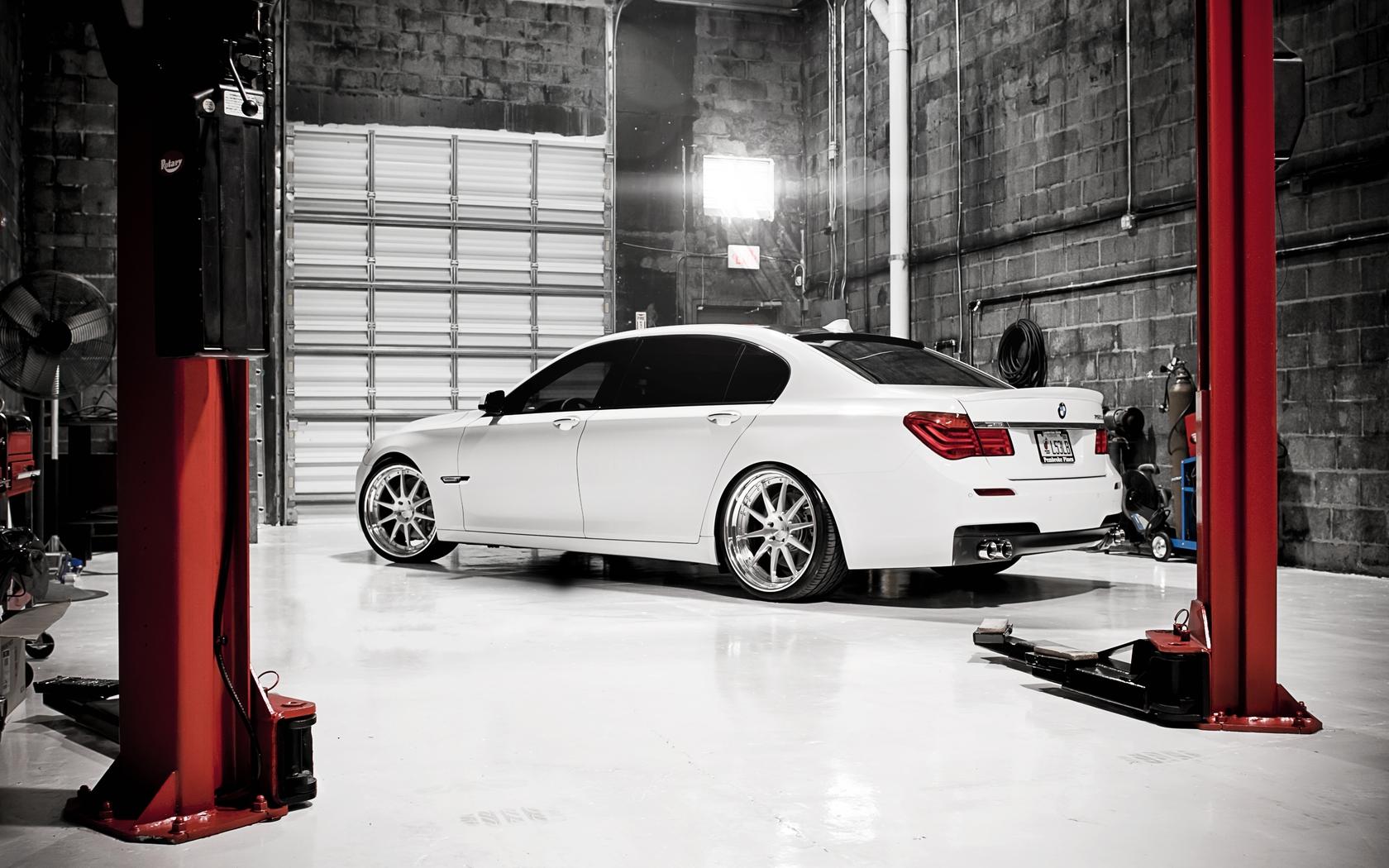 Portfolio for 7 car garage